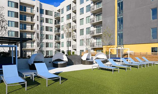 Sky Terrace & Lounge